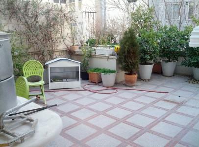 حیاط تراس آپارتمان مسکونی در ظفر